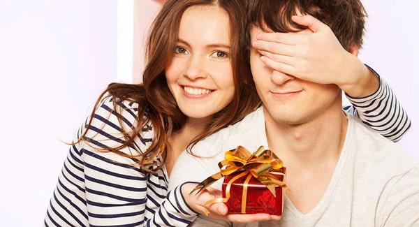 Главное учитывать предпочтения мужа при выборе подарка для него