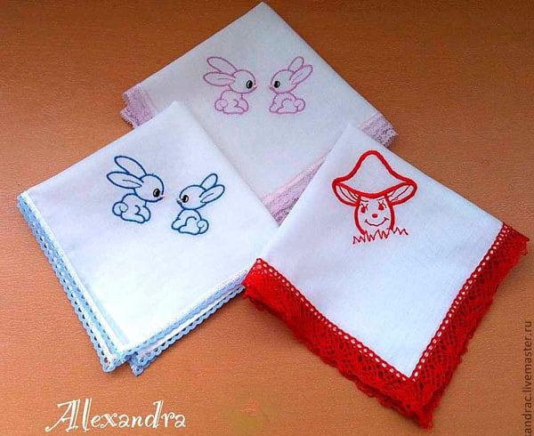 Носовой платок с вышевкой