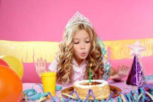 Что подарить девочке на 12 лет: основные советы