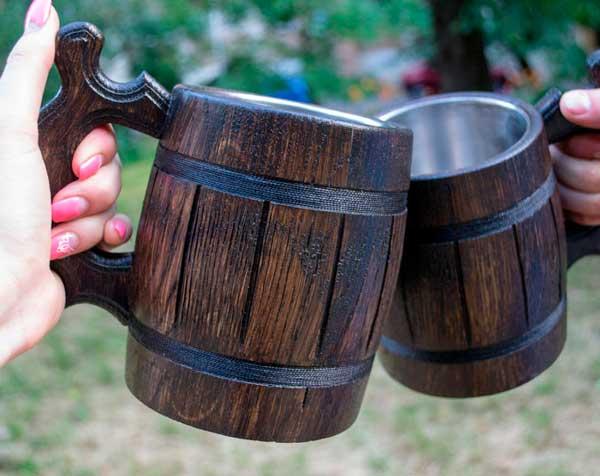 Деревянная кружка пива