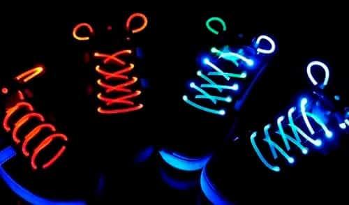 Светящиеся в темноте шнурки или браслет