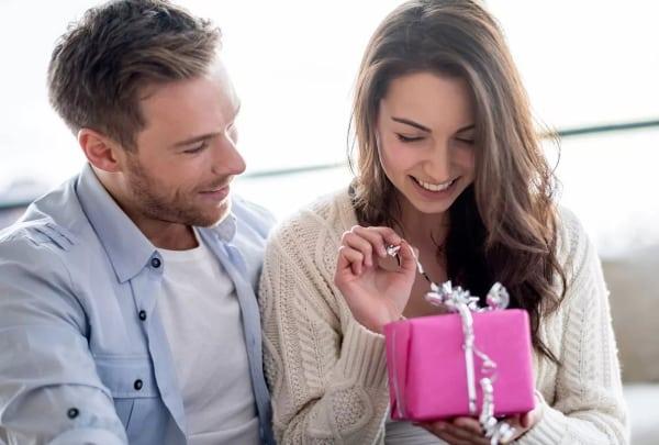Идеи подарков жене, у которой все есть