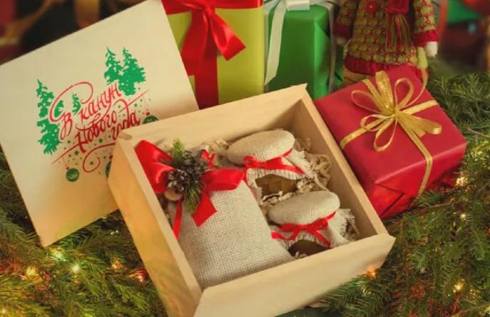Идеи подарков на Новый год 2021 сестре и ее мужу